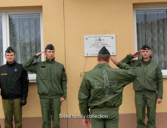 sent Dagmar Johnson 30/06/142.Čestná strážhonor guard