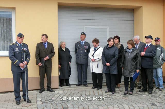 sent Dagmar Johnson 30/06/144.Projev brigádního generála Libora ŠtefánikaSpeech of Brigadier General Libor Stefanik